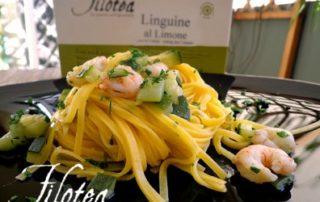Fettuccine-al-limone-con-zucchine-e-gamberetti-thumbnails