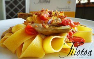 Pappardelle-carciofi-datterini-e-croccantini-pancetta-thumbnails