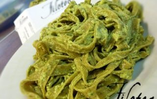 Fettuccine-al-basilico-con-pesto-genovese-ricotta-e-zucchina-thumbnails