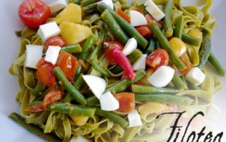 Fettuccine-agli-Spinaci-con-Fagiolini-Patate-e-dadolata-di-Provola-bianca-thumbnails
