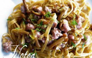 Fettuccine-alle-castagne-porri-salsiccia-e-funghi-chiodini-thumbnails
